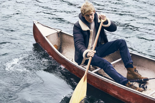 Esquire - Joe Alwyn
